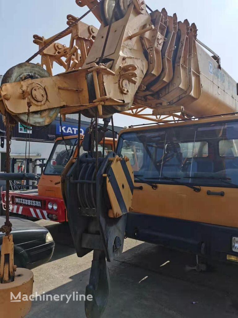 grue mobile XCMG QY70K China good condition mobile crane 70Tons QY25 QY50