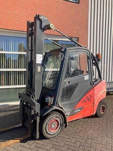 chariot élévateur à fourche LINDE H 30 Diesel Triplex Zinkenverstellgerät 6,4m