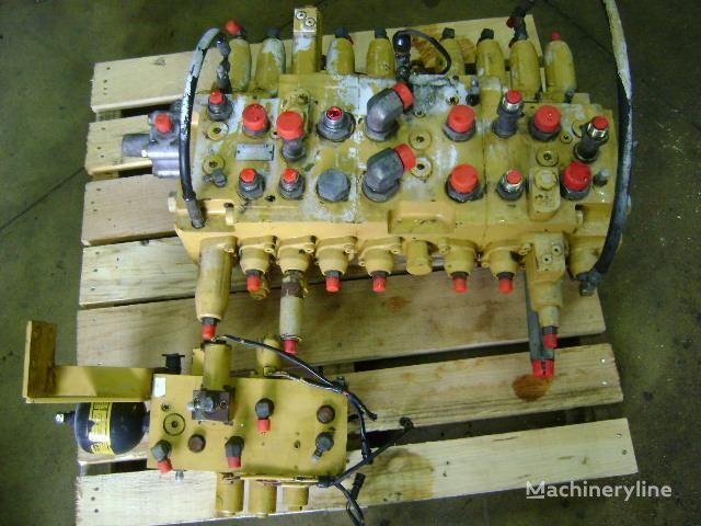 distributeur hydraulique pour excavateur CATERPILLAR 312 B