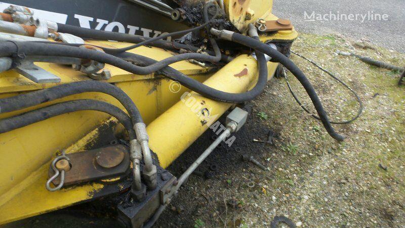 vérin hydraulique pour excavateur CASE WX150