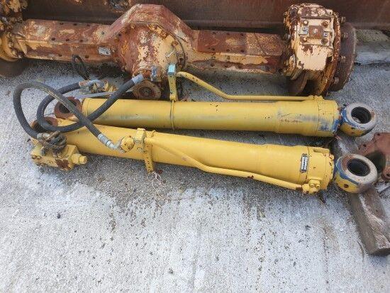 vérin hydraulique pour excavateur LIEBHERR 902